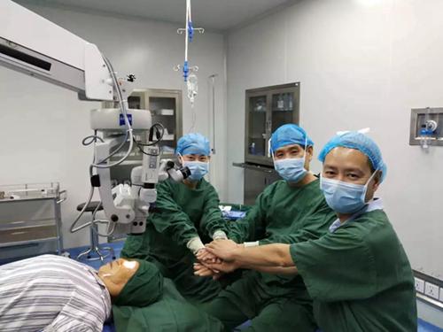 """医疗新动态——近视全飞秒手术取出的角膜""""微透镜""""变废为宝守光明"""